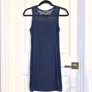 Simply gorgeous casual dress with crochet shoulder